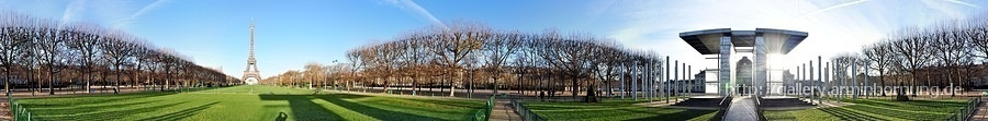 Tour Eiffel and Wall of Peace 360° Panorama