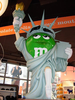 "Die ""Freiheitstatue"", in der ""World of M&Ms"""